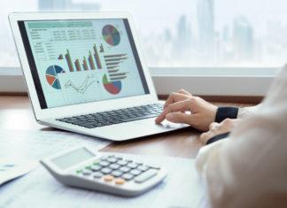 descriptive vs inferential statistics